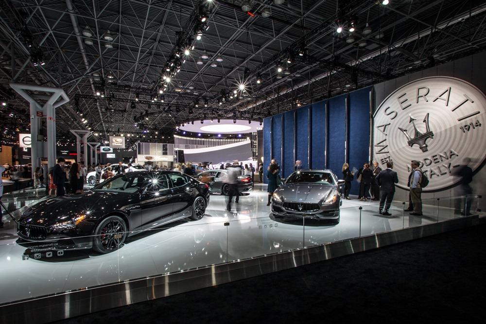 Maserati al NYIAS 2017 - Stand - Ghibli left, Quattroporte right